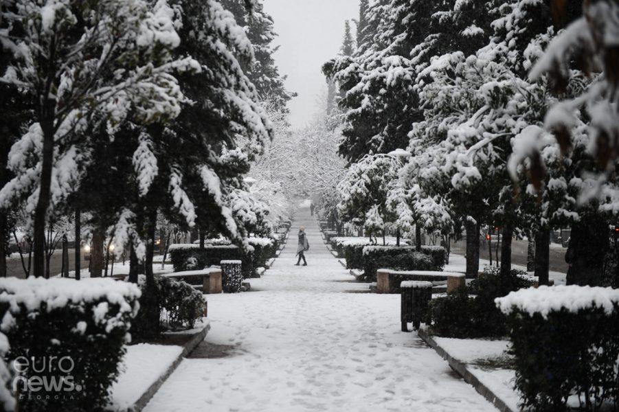 თოვლი ზამთარი